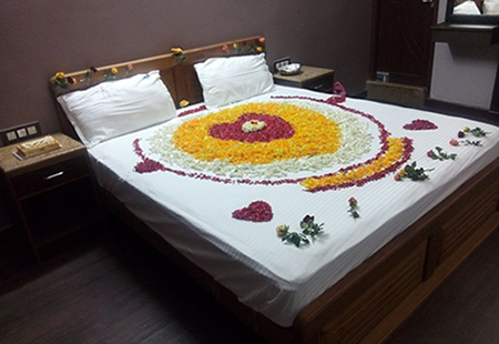 Honeymoon Suite: Floral Decoration (on Request) Floral Decoration Will Be  Charged In Addition As Per The Market Rate Of The Flowers.